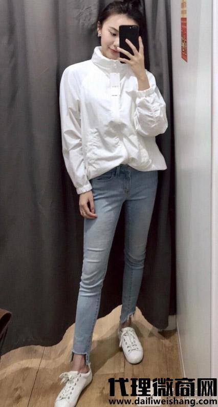 牛仔裤如何更好的搭配鞋子!