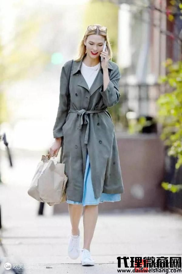 小白鞋的7个搭配技巧,穿出不一样的色彩!