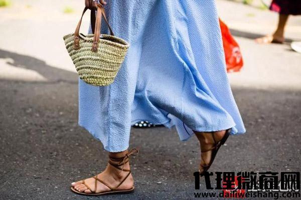 """绑带鞋搭配什么衣服才不会显得""""腿短""""?"""